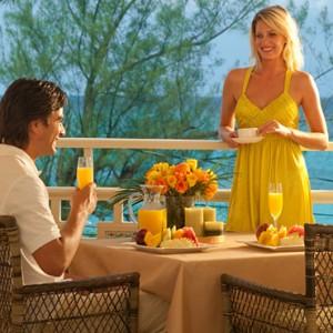 Carlyle Oceanview Penthouse Petite Suite 4 - Sandals Inn montego Bay - Luxury Caribbean Honeymoons