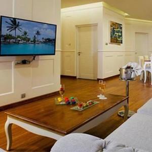Centara Ceysands Resorts & Spa - Sri Lanka Honeymoon packages - Royal suite lounge