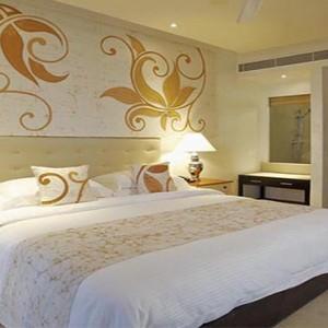 Centara Ceysands Resorts & Spa - Sri Lanka Honeymoon packages - Royal suite room