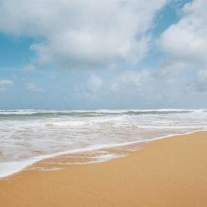 Centara Ceysands Resorts & Spa - Sri Lanka Honeymoon packages - beach