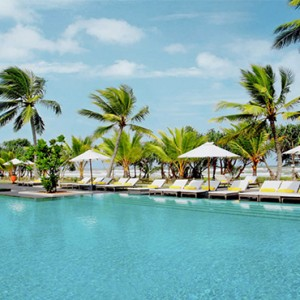 Centara Ceysands Resorts & Spa - Sri Lanka Honeymoon packages - pool
