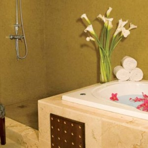 Dreams La Romana Resort & Spa - Dominican Republic luxury Honeymoon packages - Preferred Club Master Suite bath suite