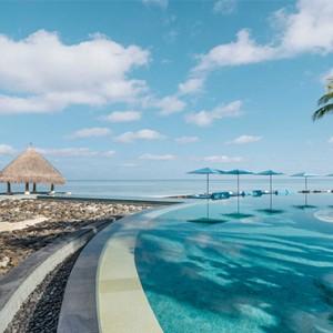 Four Seasons Resort Maldives at Kuda Huraa - Maldives Honeymoon Packages - Serenity pool