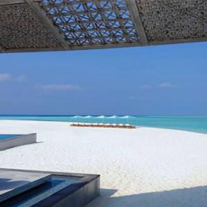 Four Seasons Resorts at Landaa Giraavaru - Maldives Luxury Honeymoon Packages - Cafe Landaa