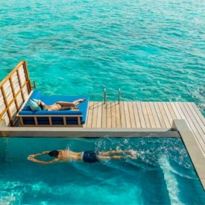 Four Seasons Resorts at Landaa Giraavaru - Maldives Luxury Honeymoon Packages - Sunset Water Villa with Pool Pool