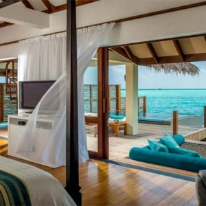 Four Seasons Resorts at Landaa Giraavaru - Maldives Luxury Honeymoon Packages - Sunset Water Villa with Pool bedroom