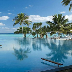 Four Seasons Resorts at Landaa Giraavaru - Maldives Luxury Honeymoon Packages - pool