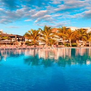 Hard Rock Hotel & Casino Punta Cana - Dominican republic luxury honeymoon packages - pool2
