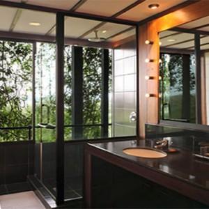 Heritance Kandalama - Sri Lanka Honeymoon Packages - luxury panoramic room bathroom