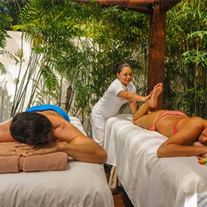 couple spa massage - Dreams Sands Cancun Resort & Spa - Mexico Luxury honeymoon packages