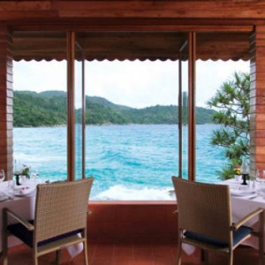 dining 3 - mom tris villa roayle phuket - luxury phuket honeymoons
