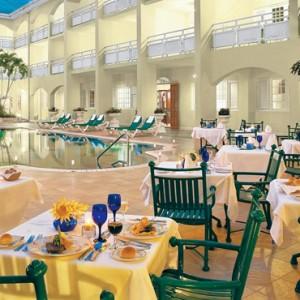 dining - Sandals Inn montego Bay - Luxury Caribbean Honeymoons