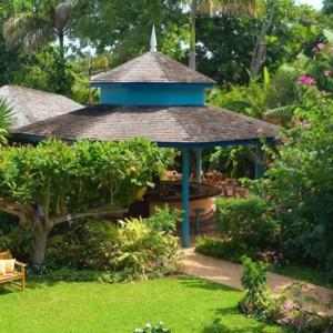 gardens - Sandals Inn montego Bay - Luxury Caribbean Honeymoons
