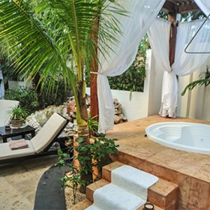 jacuzzi spa - Dreams Sands Cancun Resort & Spa - Mexico Luxury honeymoon packages