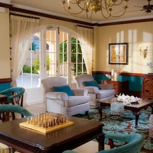 lounge - Sandals Inn montego Bay - Luxury Caribbean Honeymoons