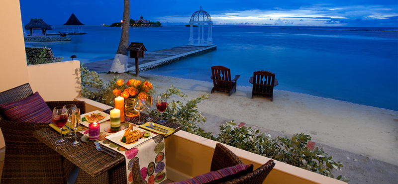 Bedroom Set In Jamaica