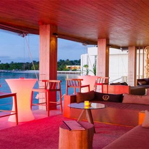 Amilla Fushi - Maldives Honeymoon packages - oak lounge
