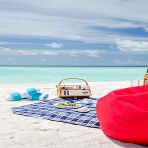 Amilla Fushi - Maldives Honeymoon packages - sandbank1