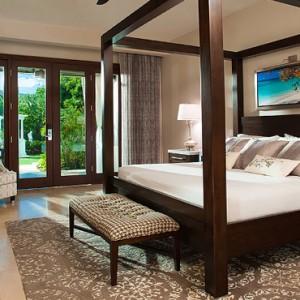 Honeymoon Grand Luxury Walkout Butler Suite with Patio Tranquility Soaking Tub - Luxury Jamaica Honeymoons