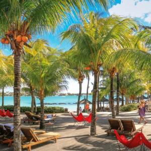 lounge aarea - Mauricia Beachcomber Resort and Spa - Luxury Mauritius Honeymoons