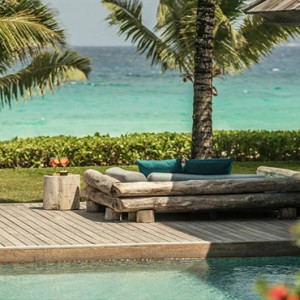 Four Seasons Resort Seychelles - Luxury Seychelles Honeymoon packages - kannel bar pool area