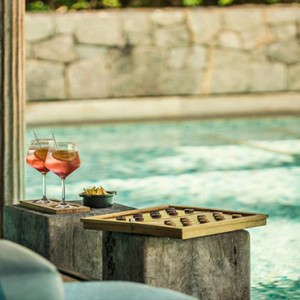 Four Seasons Resort Seychelles - Luxury Seychelles Honeymoon packages - kannel bar1