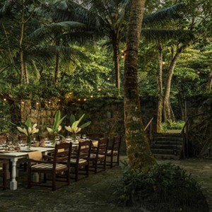 Four Seasons Resort Seychelles - Luxury Seychelles Honeymoon packages - outdoor dining