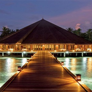 Hideaway Beach Resort and Spa - Luxury Maldives honeymoon packages - matheefaru restaurant1