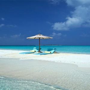 Loama Resort Maldives at Maamigili - Luxury Maldives Honeymoon packages - Sandbank
