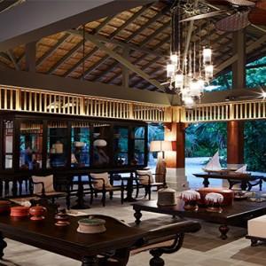 Loama Resort Maldives at Maamigili - Luxury Maldives Honeymoon packages - lobby