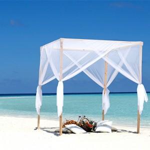 Nika Island Resort and Spa - Luxury Maldives Honeymoon Packages - Wedding on sandbank