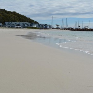 Anchorage Port Stephens - Luxury Australia Honeymoon packages - beach