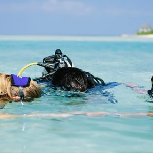Maldives Honeymoon Packages Naladhu Private Island Maldives Dive Lesson