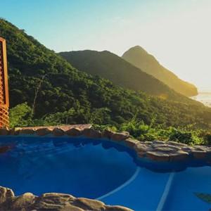 Rainbow suites pool1 - Ladera St Lucia - Luxury St Lucia Honeymoon