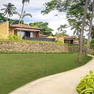 Anantara Peace Haven Tangalle Resort - Luxury Sri Lanka Honeymoon packages - garden walkway