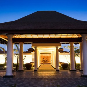 Anantara Peace Haven Tangalle Resort - Luxury Sri Lanka Honeymoon packages - hotel entrance