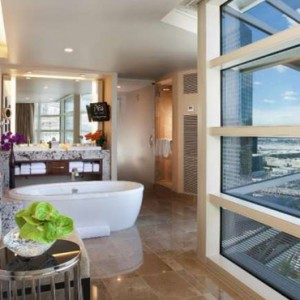 Center Suite Strip View 4 Aria Resort And Casino Luxury Las Vegas Honeymoon Packages