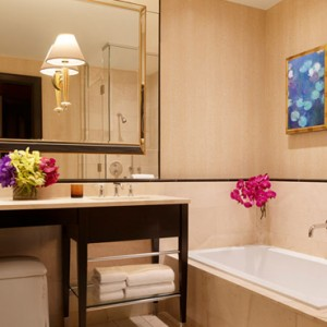Encore Parlor Suite 5 - the wynn las vegas - luxury las vegas honeymoon packages