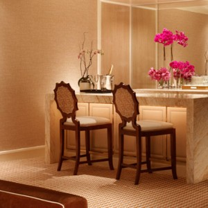 Encore Salon suite 3 - the wynn las vegas - luxury las vegas honeymoon packages