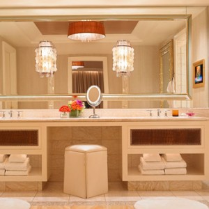 Encore Salon suite 5 - the wynn las vegas - luxury las vegas honeymoon packages