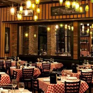 Grimaldis Pizzeria - The Venetian Las Vegas - Luxury Las Vegas Honeymoon Packages