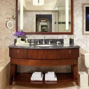 Resort Tower King 2 - bellagio las vegas - las vegas honeymoon packages