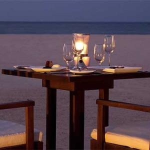 Uga Bay - Luxury Sri Lanka Honeymoon Packages - beach dining1