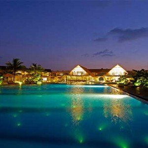 Uga Bay - Luxury Sri Lanka Honeymoon Packages - main pool at night