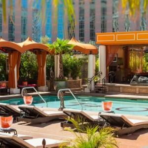 pool 2 - The Venetian Las Vegas - Luxury Las Vegas Honeymoon Packages