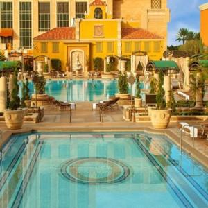 pool - The Venetian Las Vegas - Luxury Las Vegas Honeymoon Packages