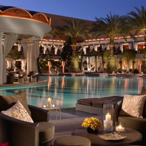 pool - the wynn las vegas - luxury las vegas honeymoon packages