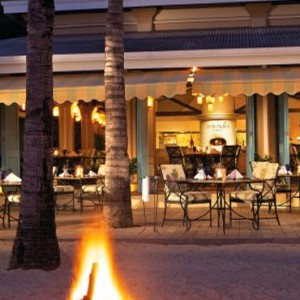 cafe by night-sugar beach resort-luxury mauritus honeymoon packages