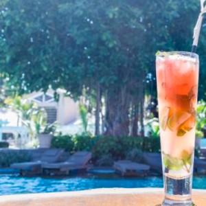 drink and pool-sugar beach resort-luxury mauritus honeymoon packages