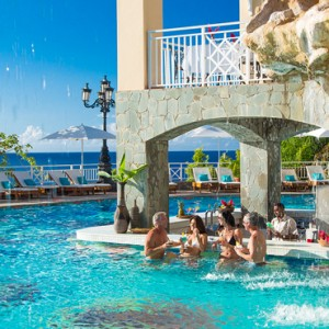 pool bar 3 - sandals regency la toc - luxury st lucia honeymoons